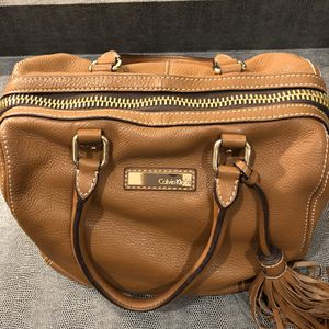 Photo Calvin Klein leather satchel in camel color. Large oversized gold zipper