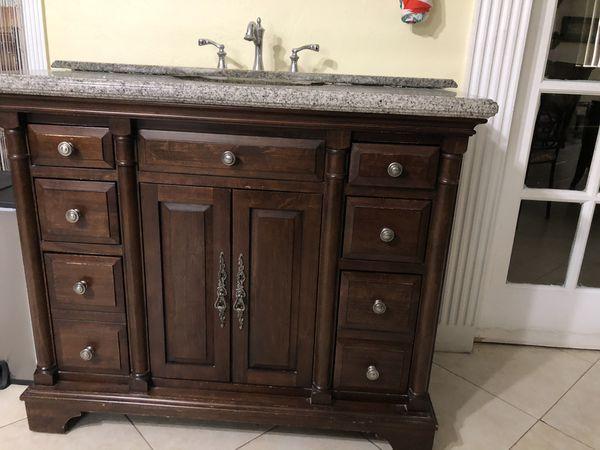 Bathroom Vanity for Sale in Miami, FL - OfferUp
