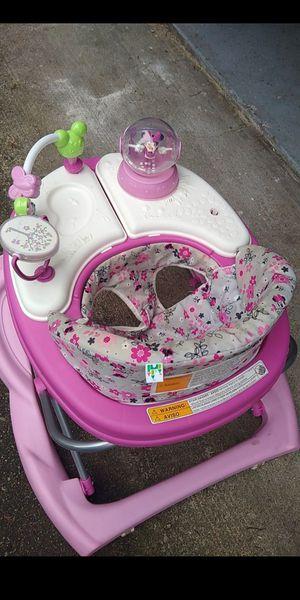 Photo Disney Minnie Mouse baby girl walker.