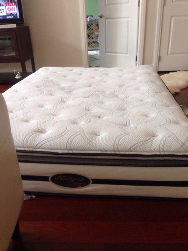 Queen Bedroom Suite: Queen Size Bed Simmons BeautyRest Dreamwell Collection