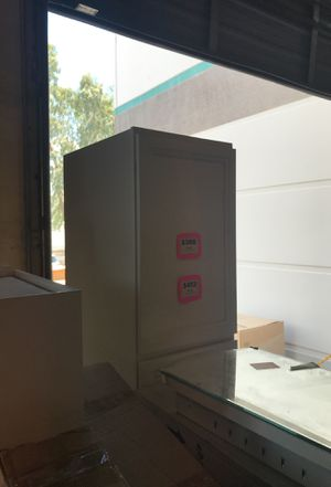 """18 in Pantry White Shaker Kitchen Cabinet #PC1884 (18"""" x 24"""" x 84"""") *Soft Closing Door* for Sale in Phoenix, AZ"""