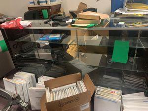 Photo 2 set retail glass showcase