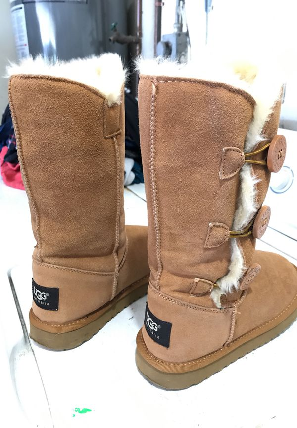 1ba043f01 ... switzerland ugg boots zise 5 practically new for sale in san diego ca  offerup 3827e adf9a