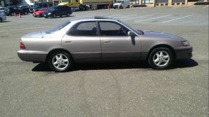 1995 Lexus Es300 200k Hwy miles runs and drives!!! for Sale in Hillcrest Heights, MD