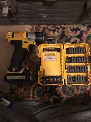 Dewalt electric screw driver with two batteries for Sale in Apex, NC