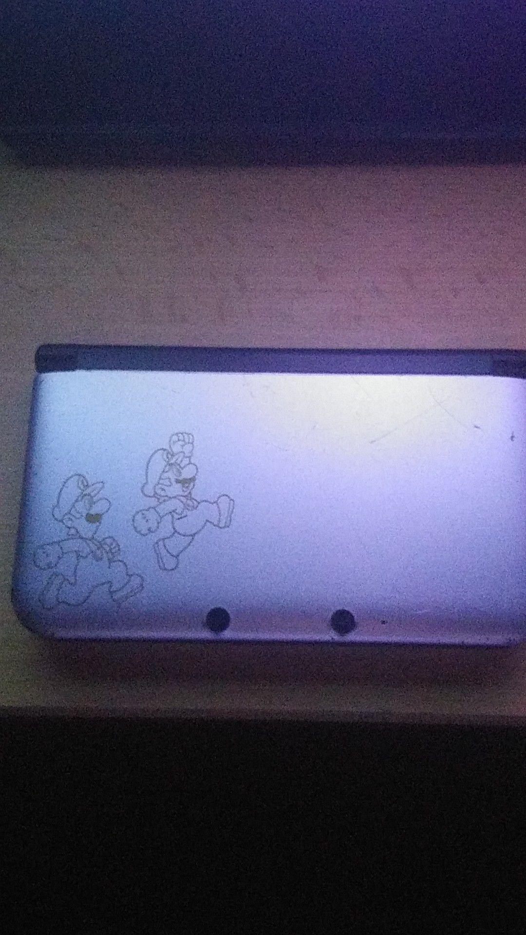Nintendo 3ds XL Year of Luigi Edition