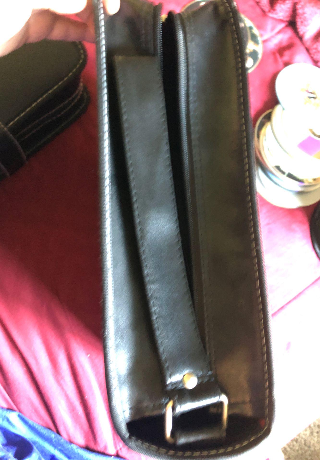 Targus 240 disc leather case