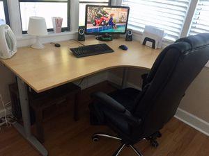 Beautiful Corner desk-right for Sale in Saint Cloud, FL