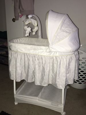 Bassinet for Sale in Cleveland, OH