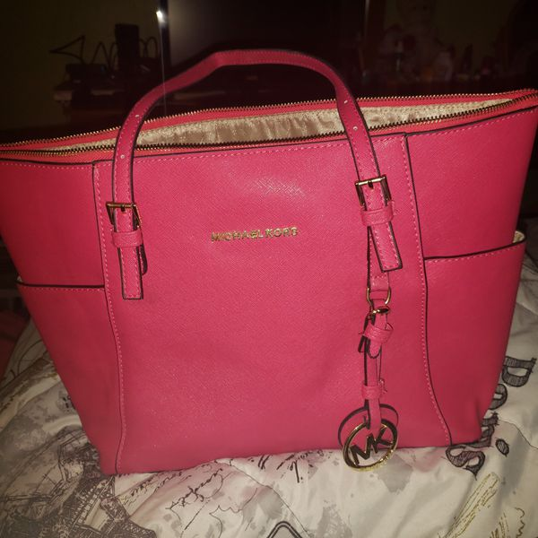 e822ef62843e Barely used authentic MK pink bag