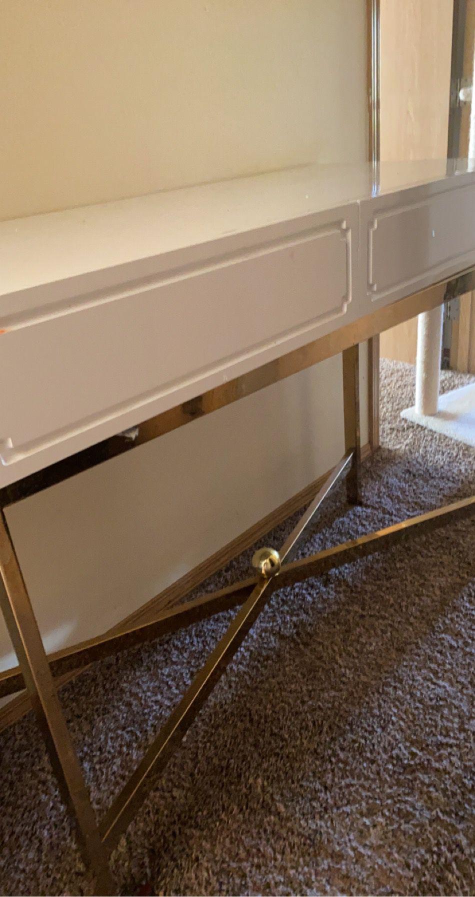 Desk/ vanity