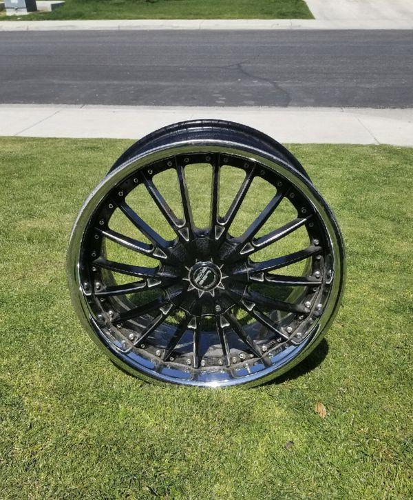 Black Multi-spoke Car Wheel For Sale In Bakersfield, CA