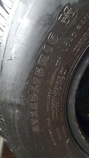 Photo Tires 265/75/16