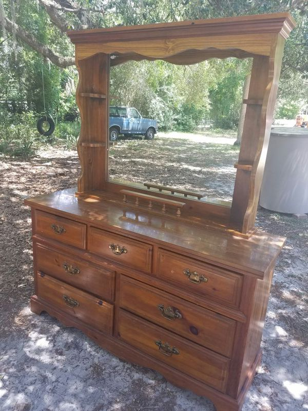 Solid Wood 7 Drawer Dresser With Mirrored Hutch Made By Broyhill