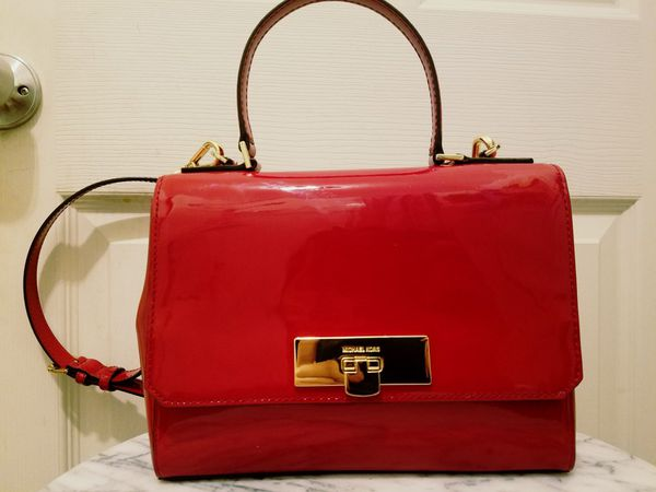 7e1c37da142d gently used Michael Kors bag for Sale in Lowell