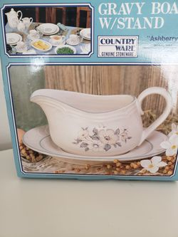 Ashberry by Country Ware Gravy Boat & Underplate Blue Flower Thumbnail