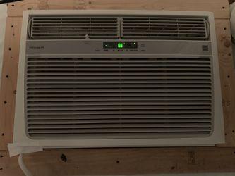 25k btu Frigidaire air conditioner Thumbnail