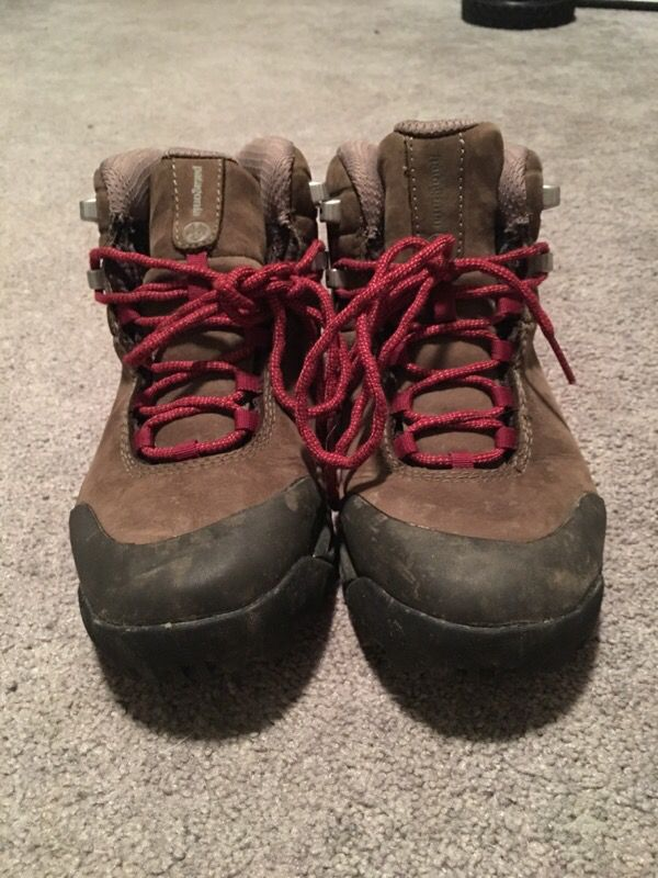 fa66deb2035 Patagonia women's hiking boots/shoes size 6 for Sale in Tumwater, WA -  OfferUp
