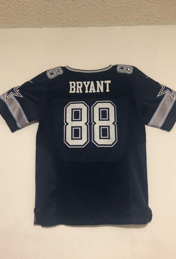 Dez Bryant official jersey for Sale in San Antonio f46c2e7e1