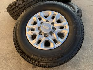 Photo 18 Chevy Silverado 2500HD Wheels Tires 3500 HD 2500 Rims GMC Sierra