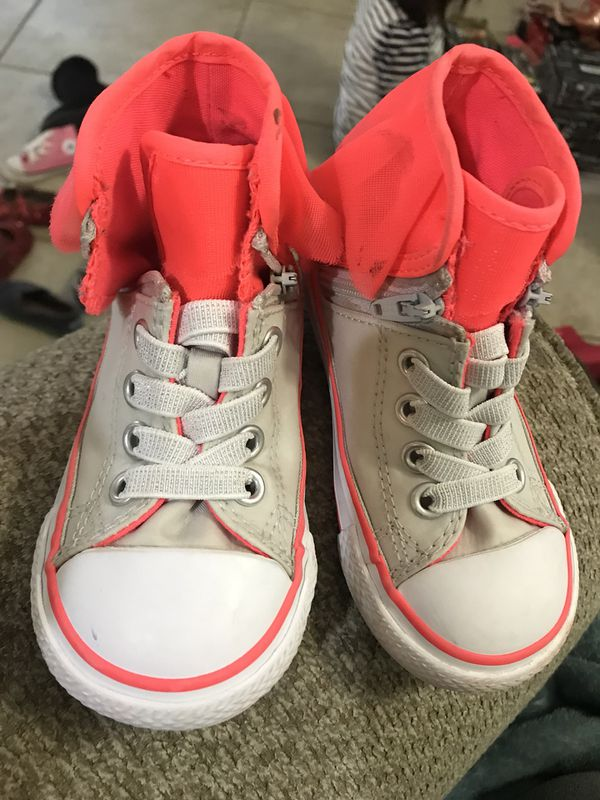 71af9b5195dc Converse toddler girl kids size 6T for Sale in Imperial