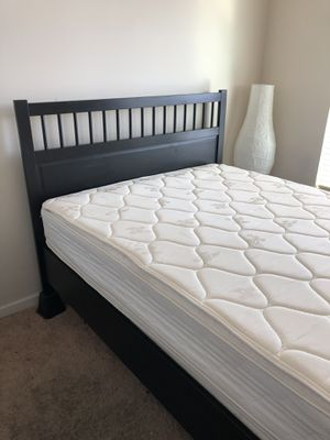 Queen Bedroom Set w/ Mattress and Box Spring for Sale in Oxon Hill, MD