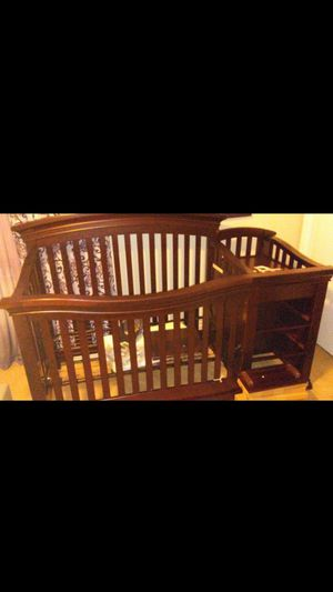 Sedona 4-in-1 Convertable Crib & Changer for Sale in Franklin, TN