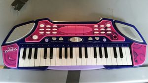 Dream Dazzlers music keyboard for Sale in Slatington, PA
