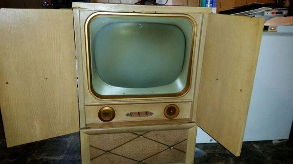 Vintage 21 Inch Muntz Tv Inside Cabinet