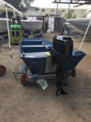 Mercury 25 hp 13 foot boat for Sale in Miami, FL