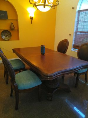 Fabulous formal dinning room set comple with 2 ft extension for Sale in Lake Wales, FL