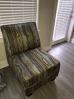 Vintage chair Thumbnail