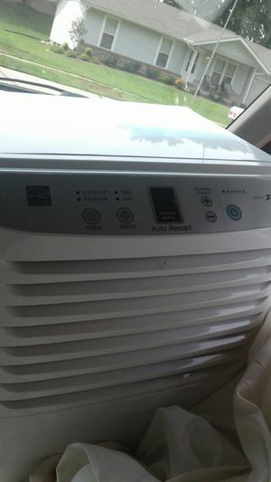 Dehumidifier zenith 30 pint for Sale in St. Peters, MO