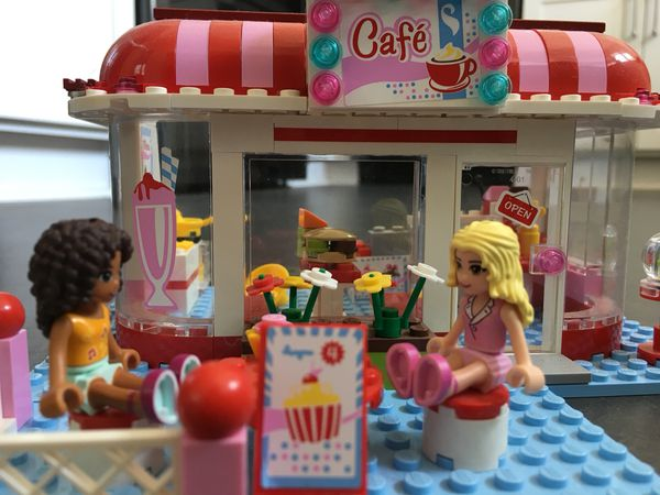 Lego Friends Park Café 3061 For Sale In Tacoma Wa Offerup