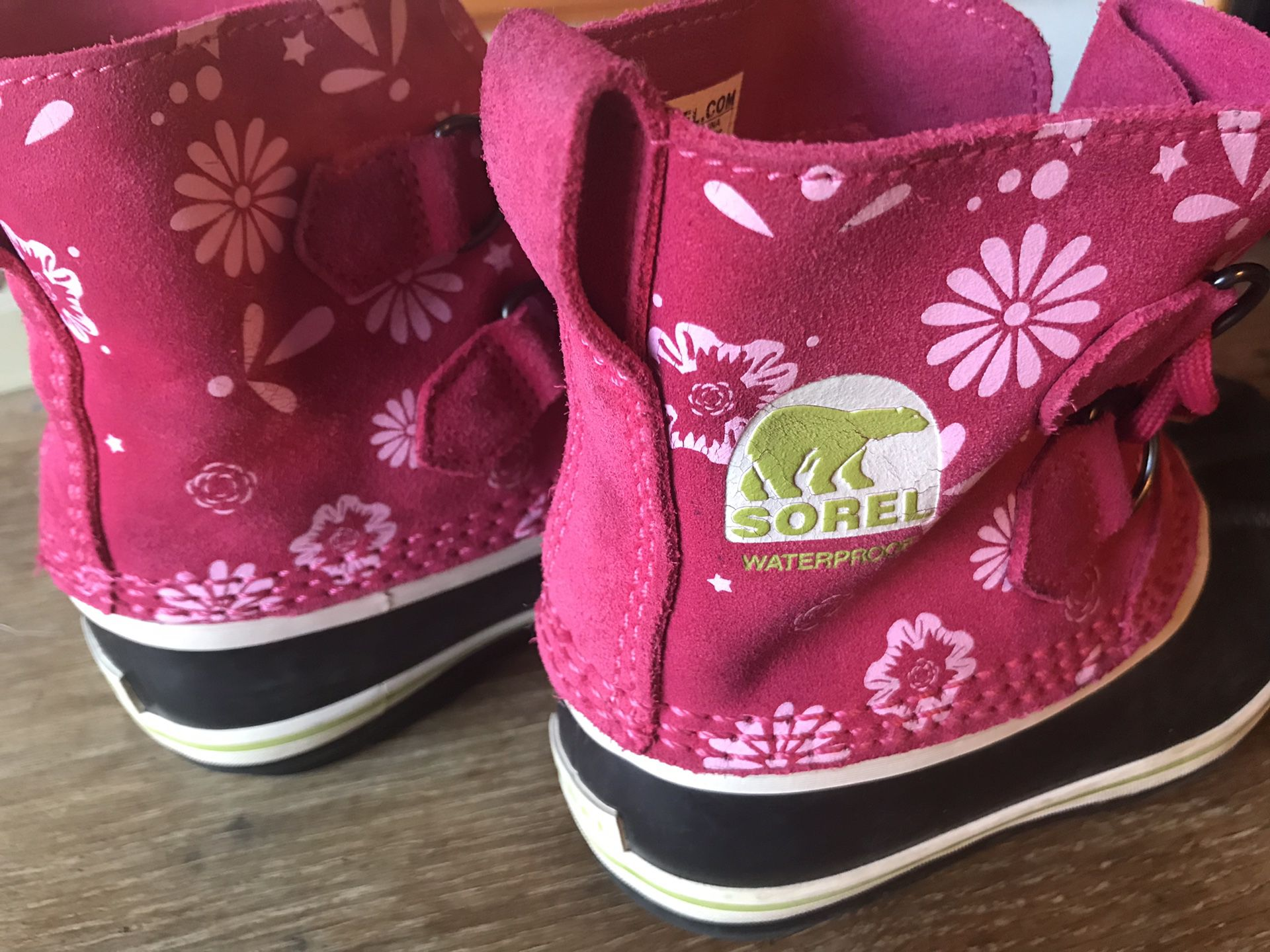 Sorel girls waterproof boots