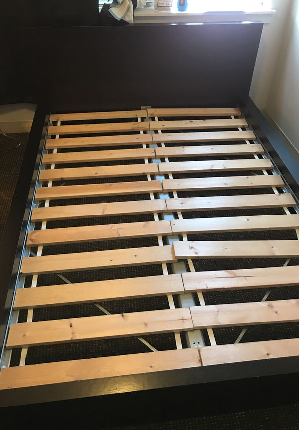 Black bed frame (Full) for Sale in Seattle, WA - OfferUp