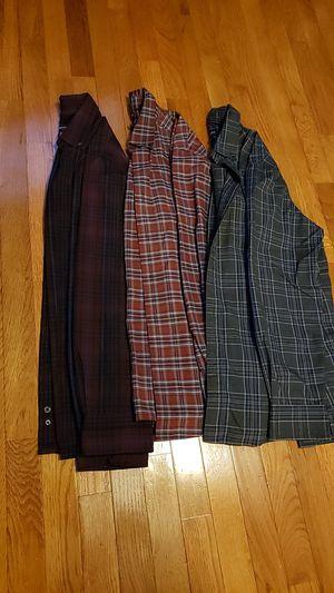 91775527 Men's long sleeve plaid shirts Size Medium for Sale in Summerville, SC