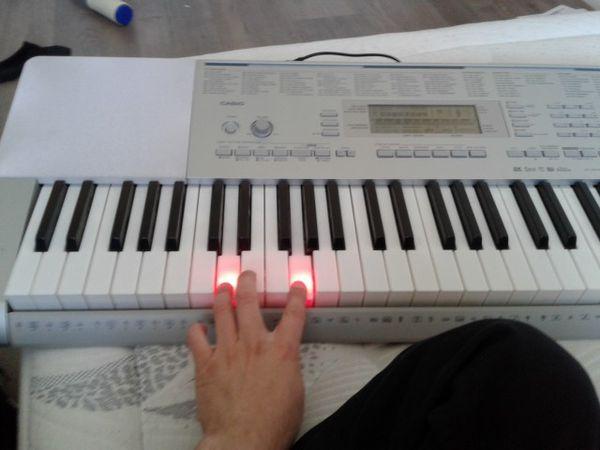 piano keyboard light up keys musical instruments in hesperia ca