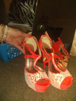 QUPID size 8 heels Thumbnail