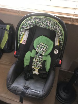 Infant convertible car seat for Sale in Centreville, VA