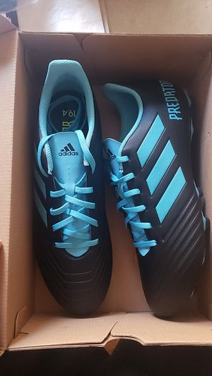 Photo Addidas predator soccer cleats size 11.5