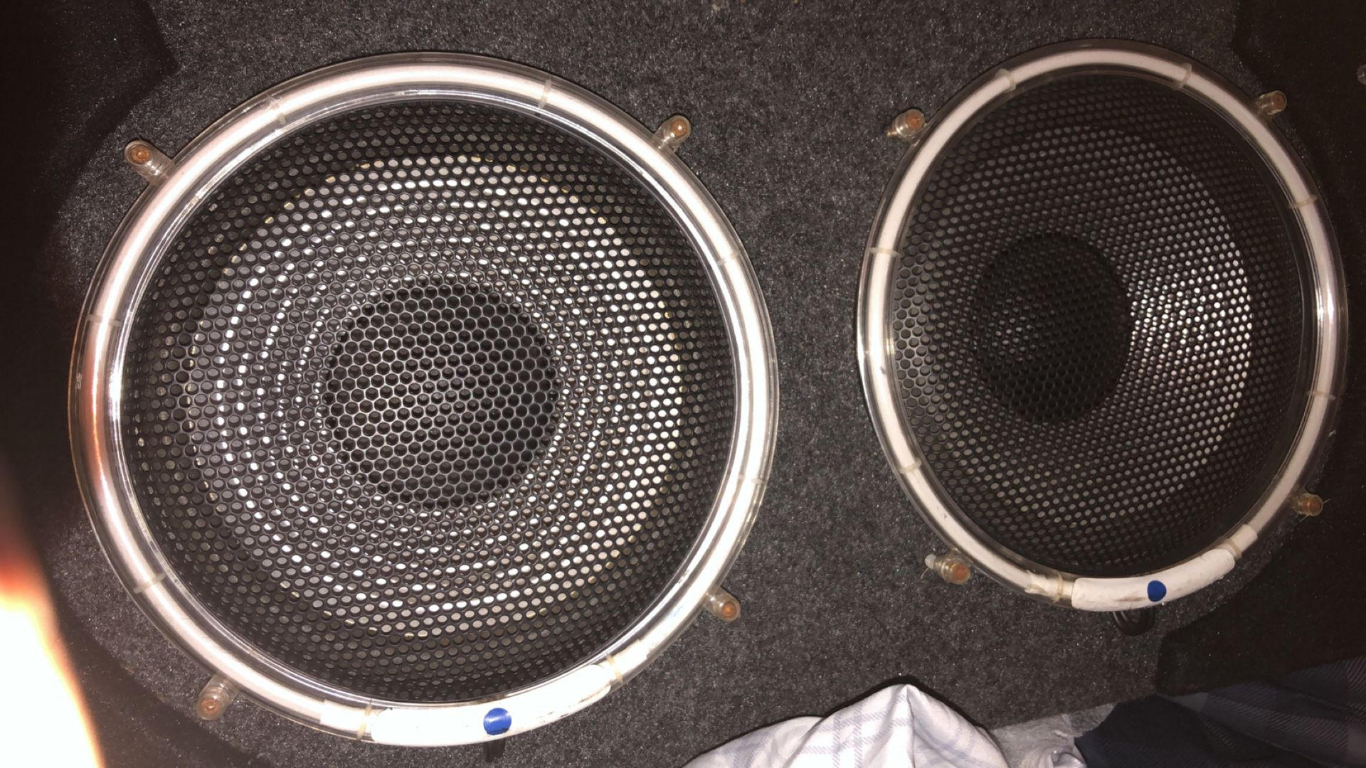 2 voice speakers for sale with box
