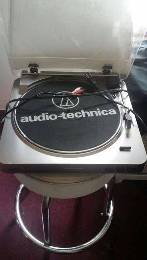 Audio technical turntables for Sale in Chicago, IL