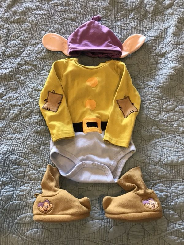 51c4e2e13 Disney Dopey dwarf onesie outfit shoes beenie baby costume for Sale in  Gilbert, AZ - OfferUp