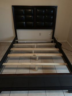 Queen Bed With Bed Base New Thumbnail