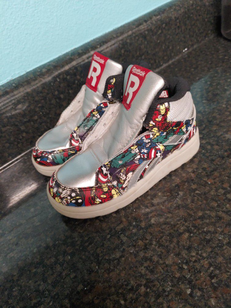 Marvel Captain America Worn Once Reebok High Top Size Toddler 9 No Shoe Laces