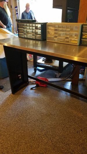 Husky Aluminum 6' workbench for Sale in Maple Valley, WA