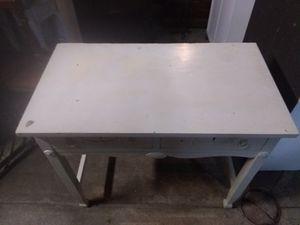 Vintage desk for Sale in Cleveland, OH