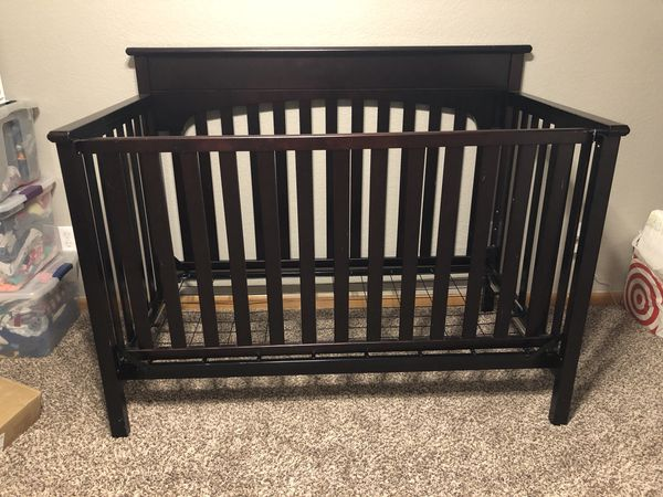 Graco Lauren Espresso Crib Changing Table