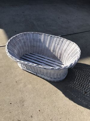 Photo Vintage Antique Baby Basket Bassinet Laundry Woven Wicker Slats Braided